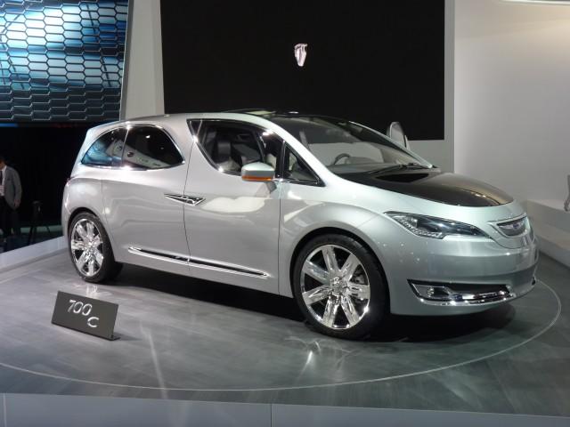 Chrysler 700C Concept  -  2012 Detroit Auto Show