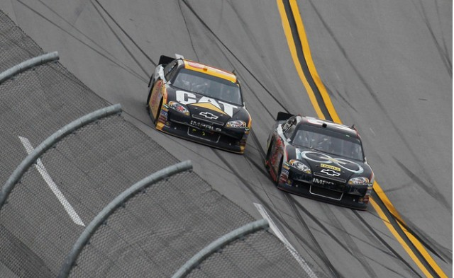 One month notice clint bowyer wins good sam club 500 at for Good sam motor club