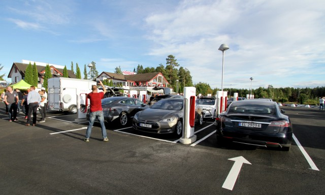 DC fast-charging site in Nebbenes, Norway [photo: Norsk elbilforening]