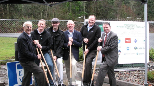 Dignitaries at Electric Highway charging station site in Bellingham, WA; photo: Washington State DoT