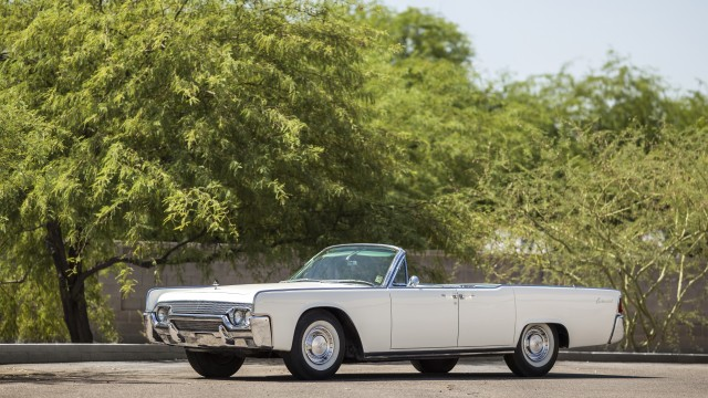 mecum to auction 39 61 lincoln continental loaned to jackie. Black Bedroom Furniture Sets. Home Design Ideas