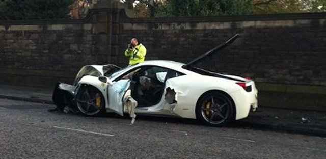 Ferrari 458 Italia crashes in Edinburgh, Scotland