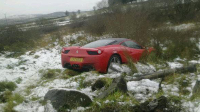 Ferrari 458 Italia crashes in UK