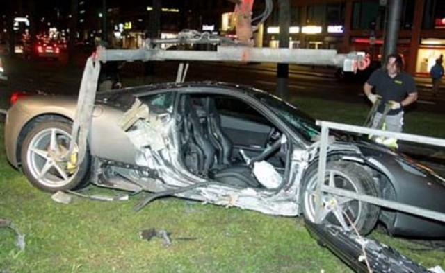 Ferrari 458 Italia that crashed in Munich, Germany. Image courtesy Merkur