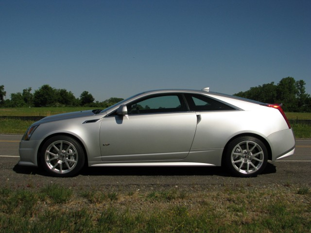 first-ride-2011-cadillac-cts-v-coupe_100311530_s.jpg