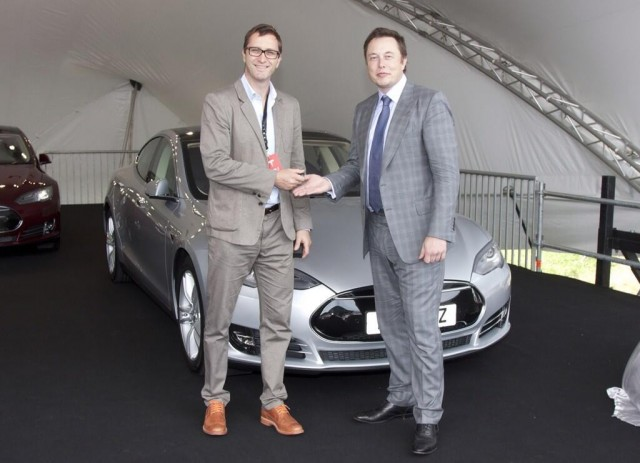 First Tesla Model S cars delivered to UK customers