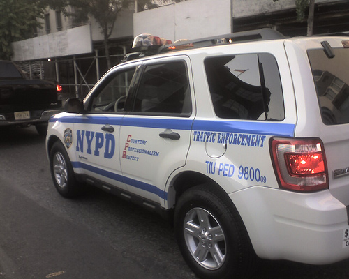 Ford Escape Hybrid used as NYPD Traffic Enforcement vehicle, by Flickr user futurehwyguy