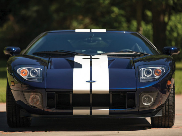 2006 Ford GT heads to auction