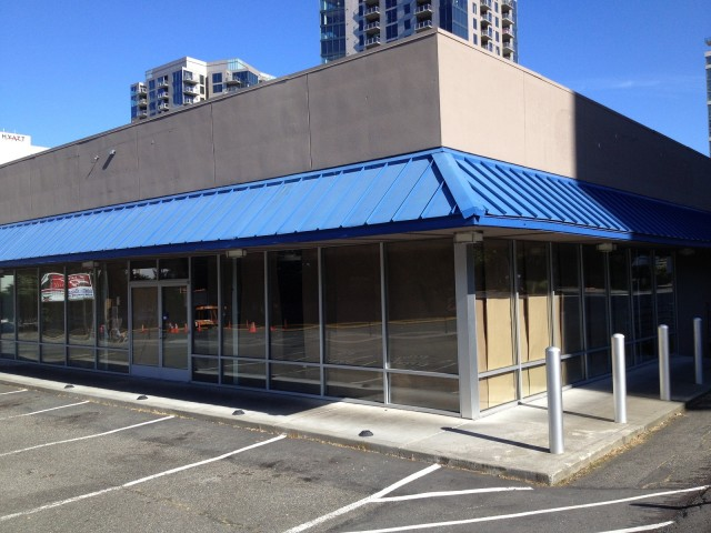 Former Fisker of Bellevue, Washington, dealership, closed as of July 2013 [photo: Brian Henderson]
