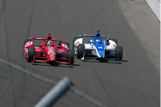 Franchitti and Sato head into turn one - Photo courtesy IZOD IndyCar Series/LAT USA