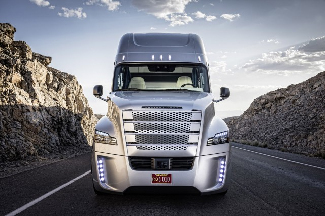 Freightliner Inspiration Truck self-driving truck concept
