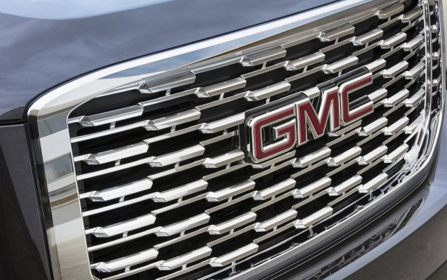 GMC Yukon Denali adds 10-speed transmission, new grille for 2018