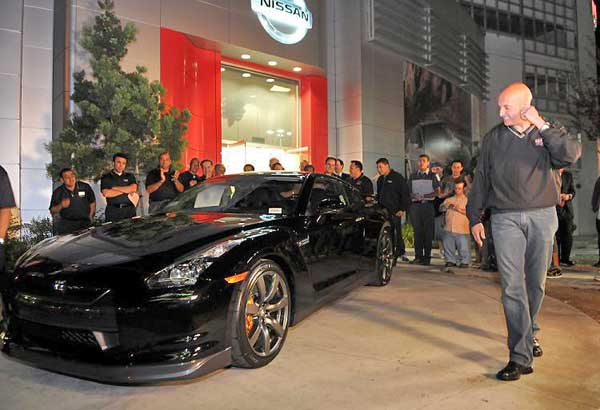 First Nissan GT-R Arrives in U.S.