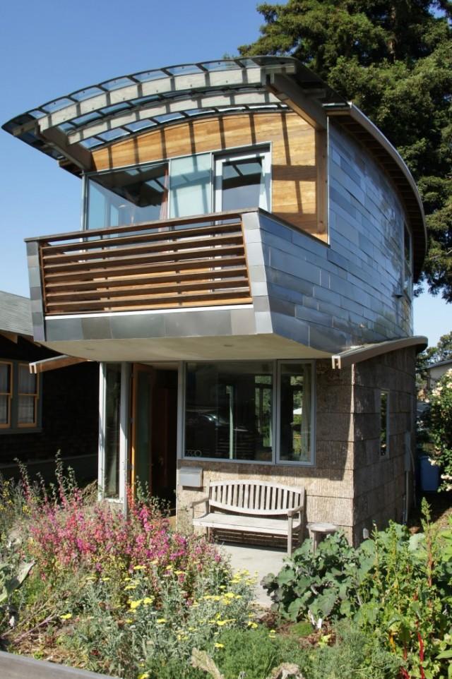 Home of Cate Leger and Karl Wanaselja in Berkeley, CA