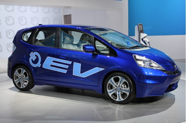 Honda tests solar powered electric car charging in remote for Honda fit electric