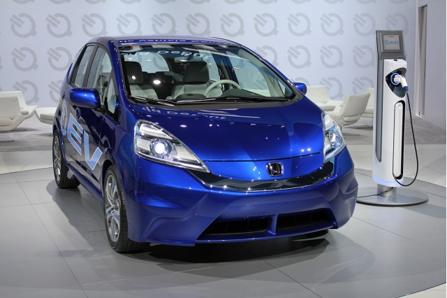First honda fit ev delivered to california city fleet for Honda fit electric