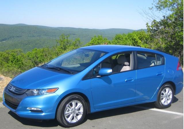 2010 Honda Insight - front three-quarter