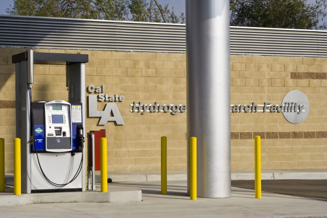 Hydrogen fueling station at California State University, Los Angeles [photo: Axelle Bader]