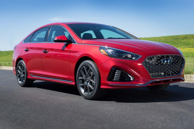 2018 hyundai sonata debuts at 2017 new york auto show. Black Bedroom Furniture Sets. Home Design Ideas