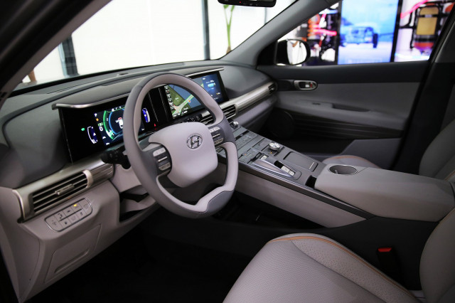 Hyundai reveals radical new hydrogen SUV