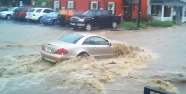 Mercedes-Benz SL-Class stalls in Maryland flash flood