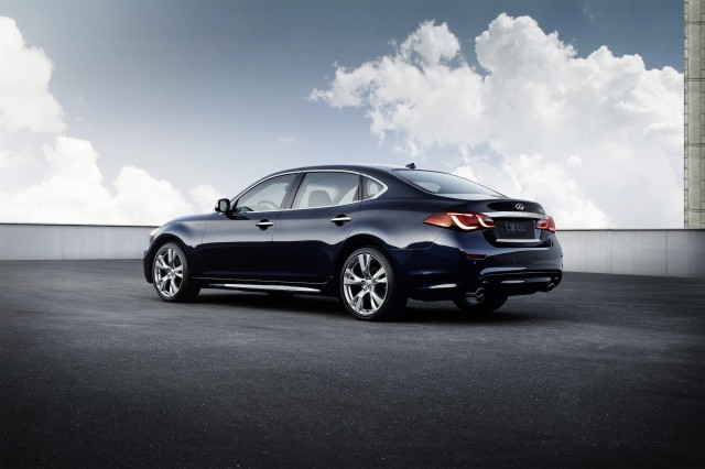2015 infiniti q70 review ratings specs prices and photos the car connection. Black Bedroom Furniture Sets. Home Design Ideas