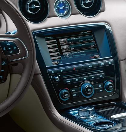 Jaguar XJ satnav