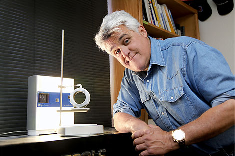 Jay Leno and his NextEngine 3D scanner