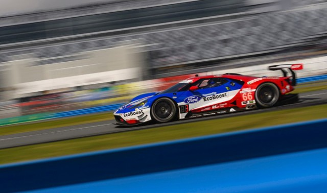 Joey Hand in the Ford GT secures pole in the GT Le Mans class for 2017 24 Hours of Daytona