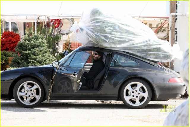 Keanu Reeves [via JustJared]