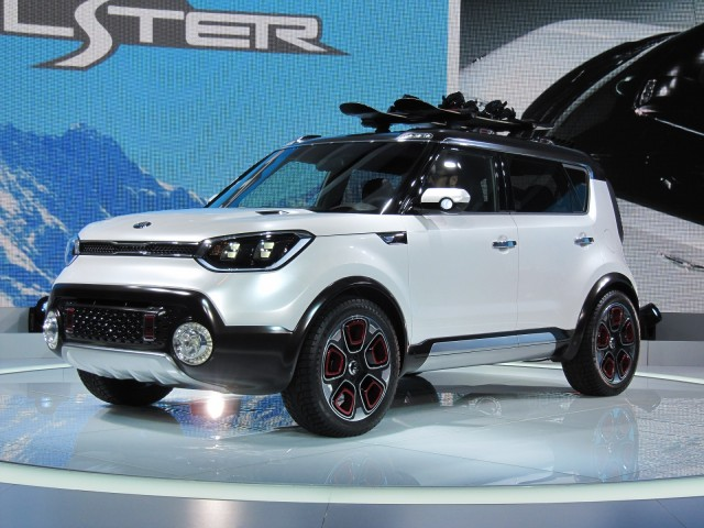 Kia Trail'ster e-AWD hybrid concept at 2015 Chicago Auto Show