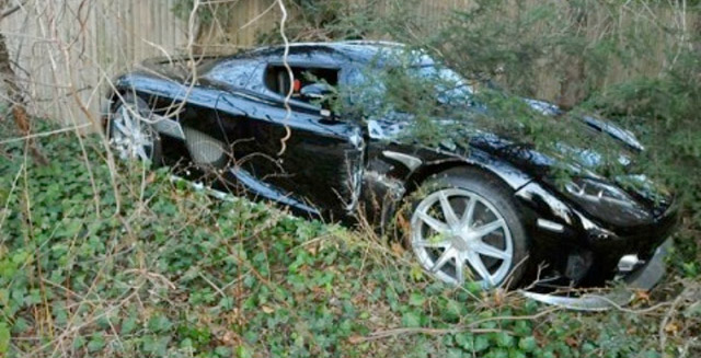 Koenigsegg CCX crashes in Long Island