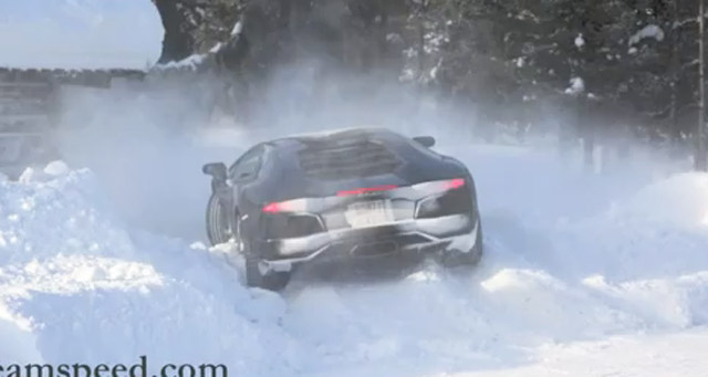 Lamborghini Aventador LP 700-4 stuck in the snow
