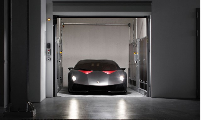 sesto elemento on track 2014 s class video canadian grand prix today 39 s car news. Black Bedroom Furniture Sets. Home Design Ideas