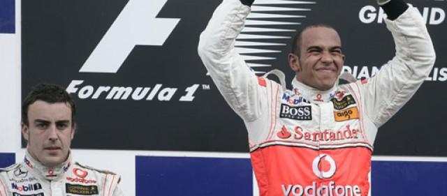 Lewis Hamilton receives Laureus gong
