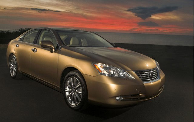 Lexus ES 300h on the way?