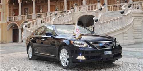 Lexus LS 600h on duty in Monaco