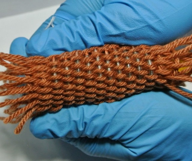 Lithium-ion battery yarn (Image: Wei Weng)