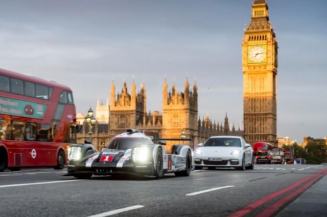 Mark Webber driving a 2016 Porsche 919 Hybrid in London