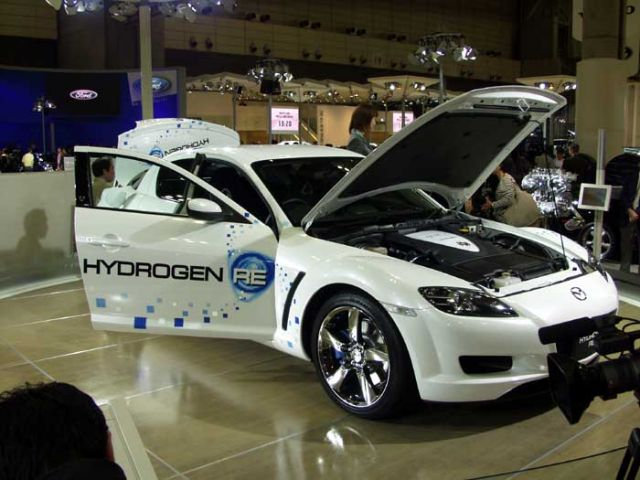 Mazda hydrogen-powered RX-8