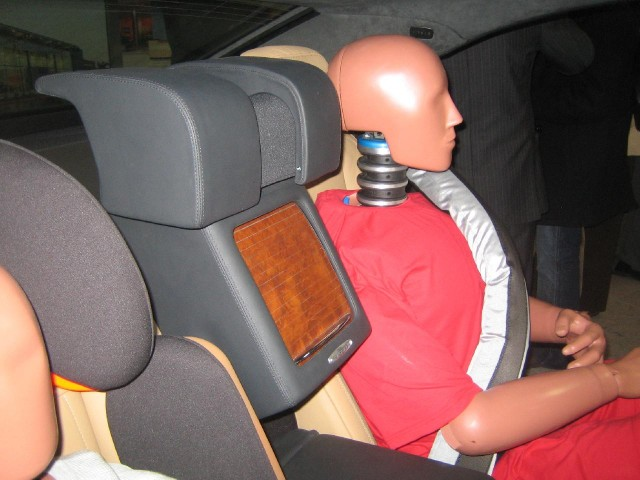 Mercedes-Benz ESF 2009 safety concept car, Inter-Seat Protection system activated in rear seat