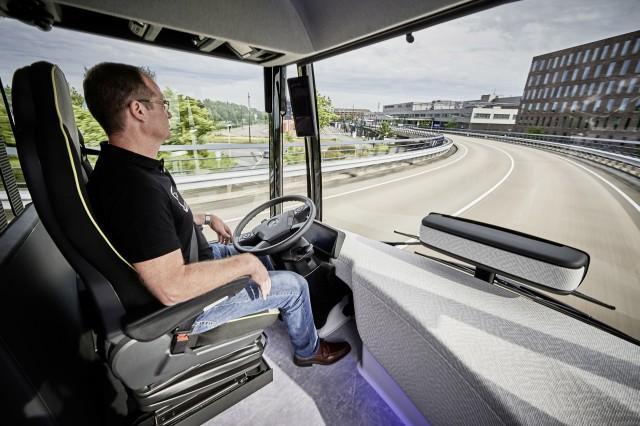 Mercedes Benz Unveils Autonomous Bus Concept