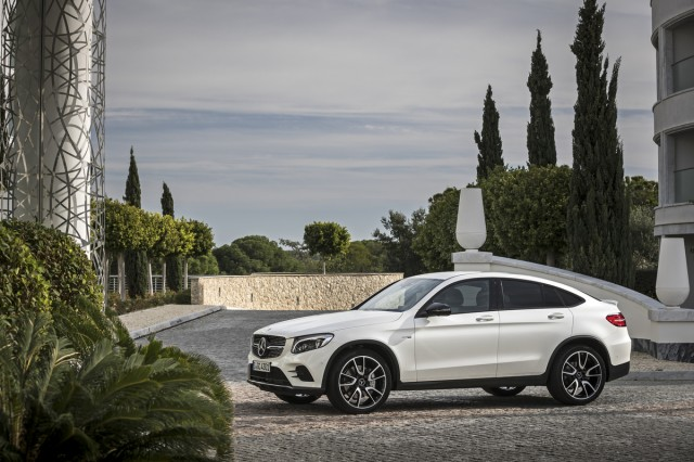 2017 mercedes benz glc class pictures photos gallery for 2017 mercedes benz glc class dimensions