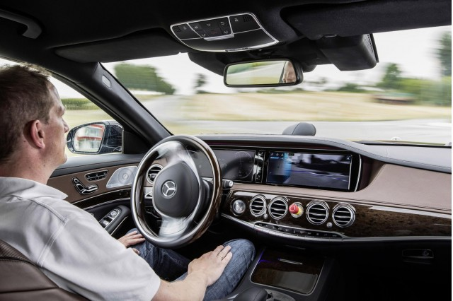 Mercedes-Benz S500 INTELLIGENT DRIVE prototype
