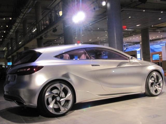 Mercedes benz concept a class compact car ny auto show video for Manhattan mercedes benz dealer