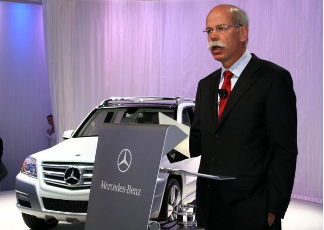 Daimler ceo dieter zetsche to stay on for at least three for Mercedes benz ceo