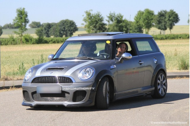 MINI Clubman S Hybrid spy shots