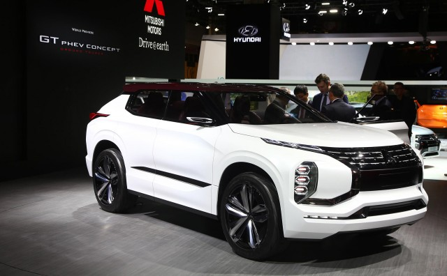 Awesome Mitsubishi GTPHEV Concept Previews Nextgen Hybrid Tech