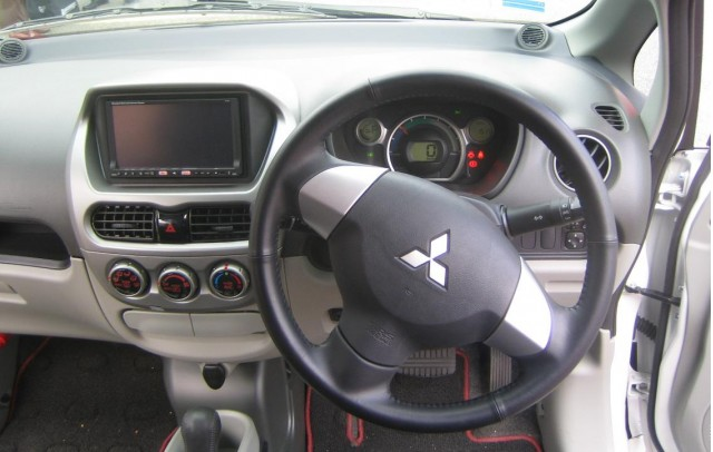 Mitsubishi i-MiEV electric car - interior - December 2008
