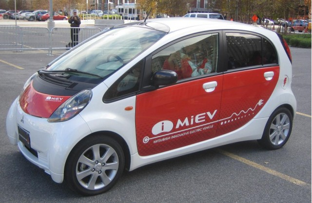 Mitsubishi i-MiEV electric car - side - December 2008